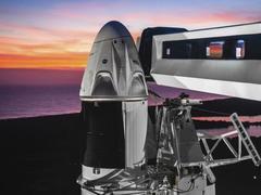 马斯克太空梦再近一步:SpaceX将送4名游客上太空