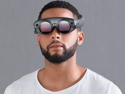 苹果新专利:AR 头盔、智能眼镜就能自动解锁 iPhone