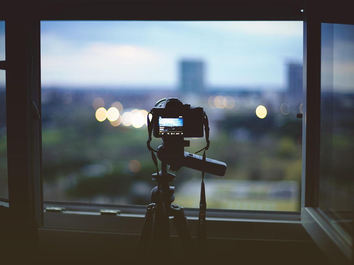 """淘汰了相机的手机,现在却在""""复兴""""数码相机"""