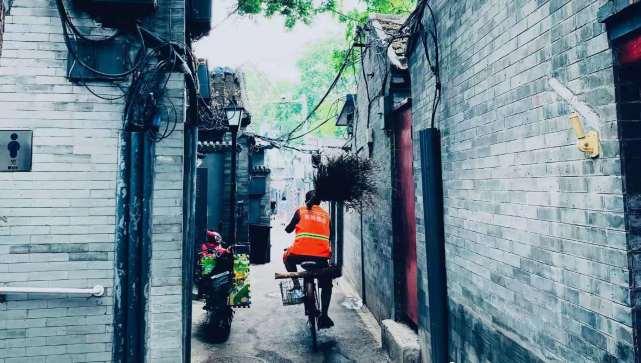 段奥娟晒自拍,北京之行化身导游,昔日少女已有大人模样