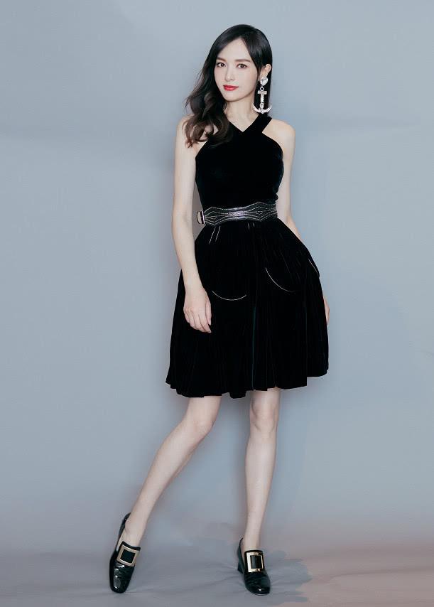 唐嫣终于不再沉默,穿小黑裙腰带勒好紧,直接破怀孕传闻!