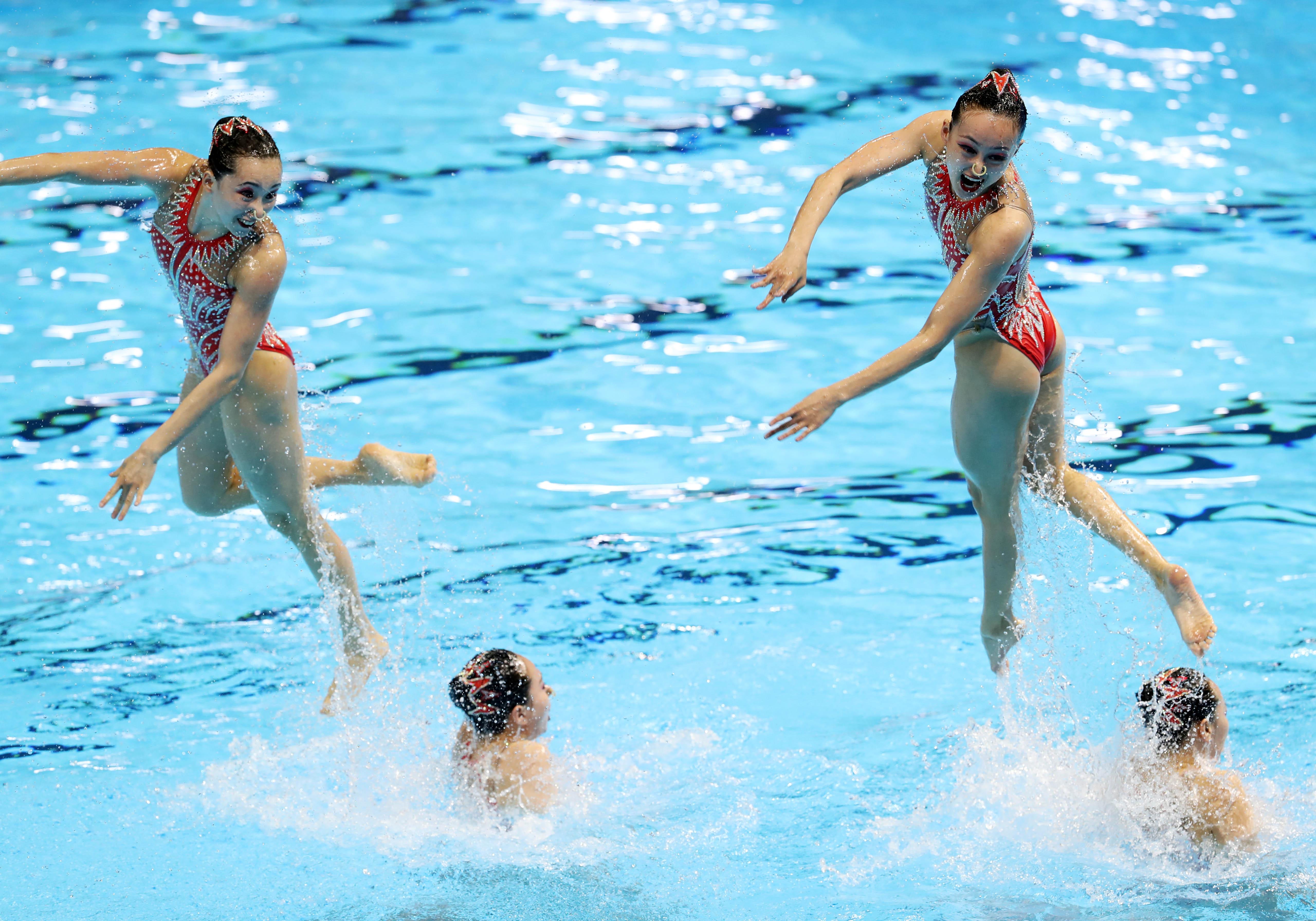 花样游泳——女子集体技术自选决赛:中国摘银