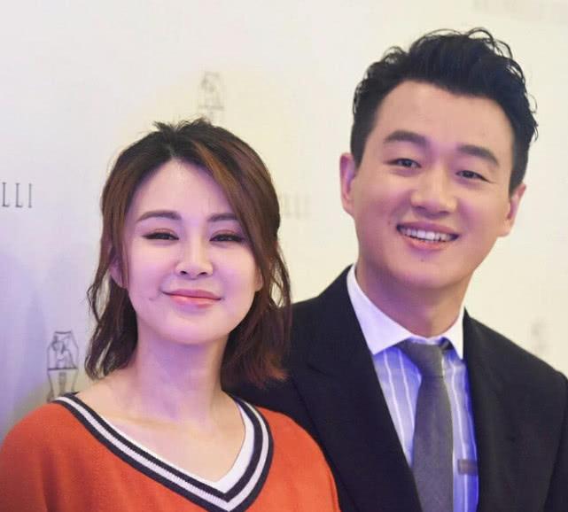"""佟大为毕业后娶了自己的""""老师"""",妻子照片曝出,网友:赚大了"""