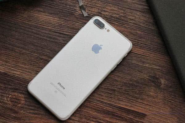 老iPhone焕发生机,降至最低价,性价比超小米