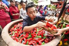 吉尼斯世界之最:吃辣椒也能上榜,最后一个你也可以挑战!