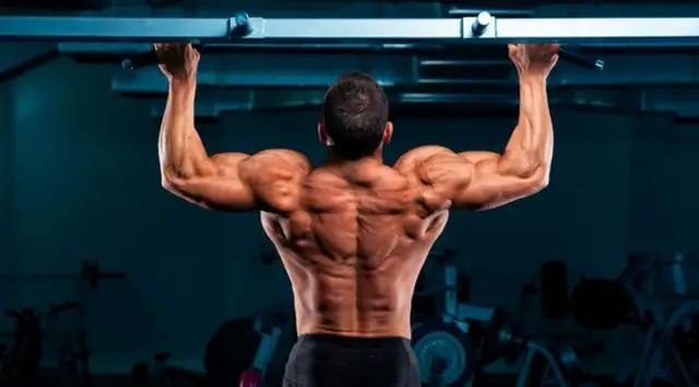 背部训练多种多样,动作怎么选择?这三个动作必选
