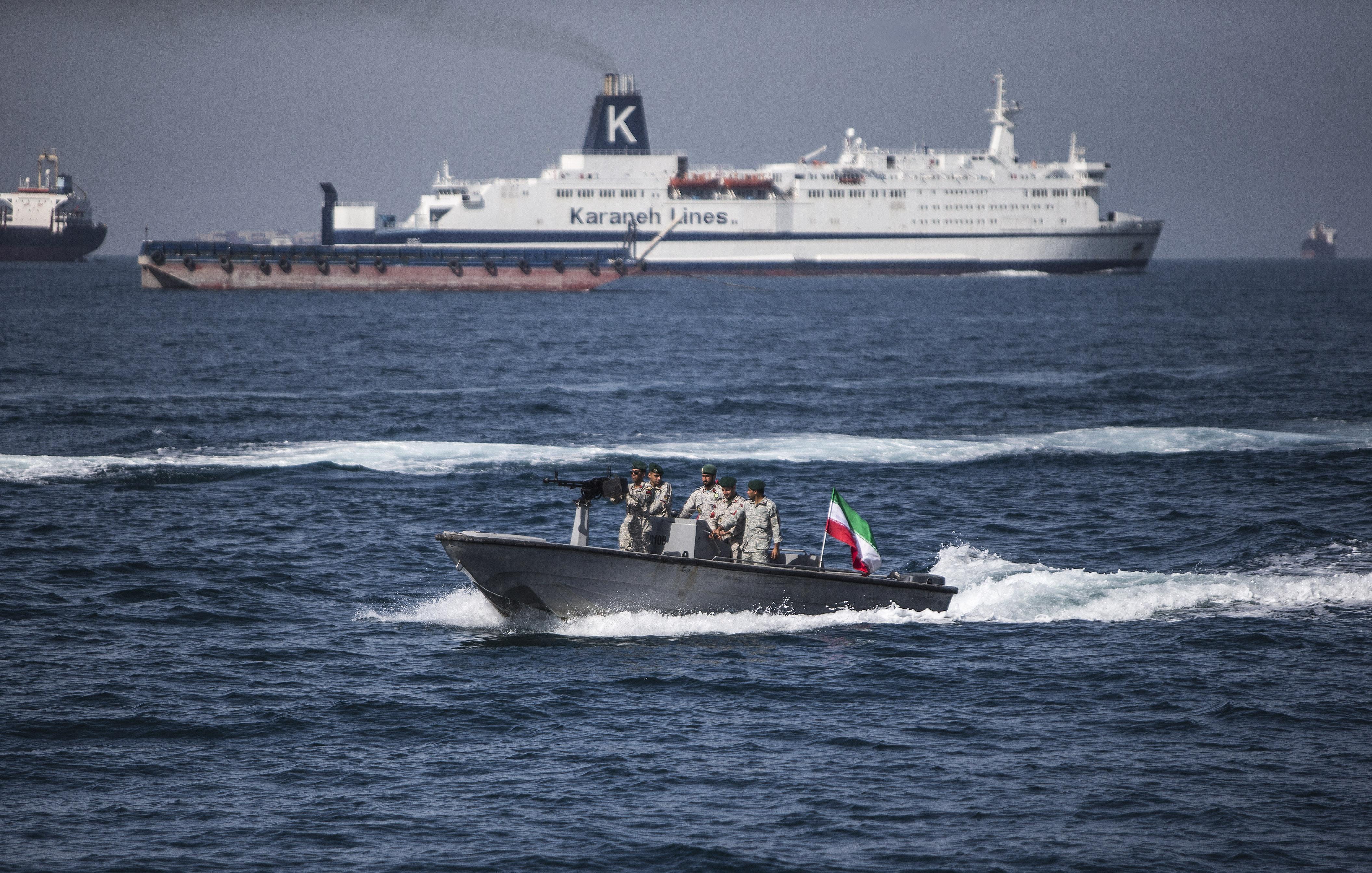 伊朗扣了英国籍油轮,正中美国下怀?
