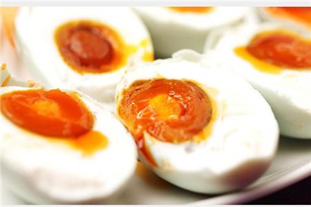 孕妇能吃咸鸭蛋吗,吃多会怎么样