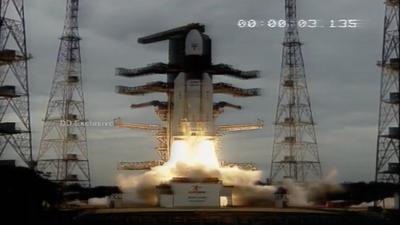 """印度发射登月探测器""""月船2号"""",目标成为第四个登月国"""