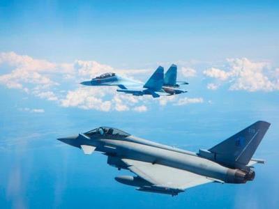 反击开始!多架核轰炸机同日逼近美英本土,俄:警告两国悬崖勒马