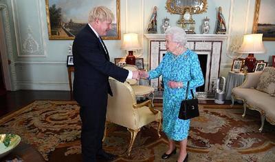 """""""硬脱欧""""难逃议会钳制,与欧盟抗衡胜率很低,约翰逊命运依赖于国内外对手""""同情"""""""