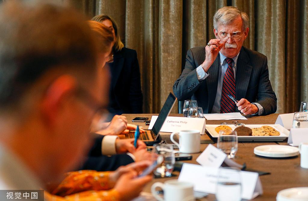 """博尔顿访问英国表示热情支持约翰逊""""无协议脱欧""""选择,大谈英美双边贸易协议,美国葫芦里卖的什么药?"""
