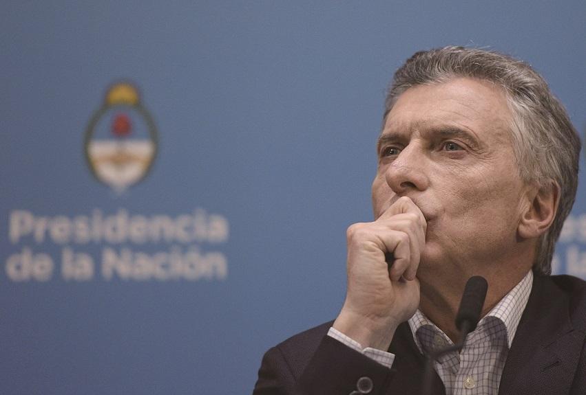 阿根廷现总统马克里在初选中意外惨败,致股汇债同时崩盘,接下去两个月他能创造奇迹吗?