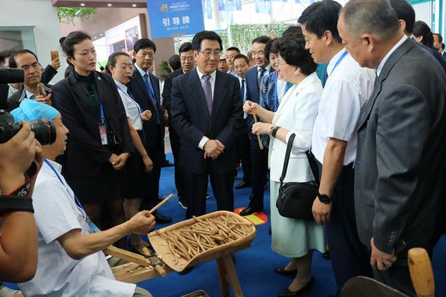 甘肃中医药大学附属医院参加第二届中国(甘肃)中医药产业博览会