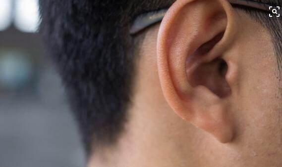 耳朵里面潮湿是因为体内湿气重吗?从耳屎就可以判断出来