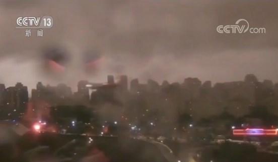 亚马孙雨林大火持续燃烧 浓烟笼罩 巴西圣保罗白昼变黑