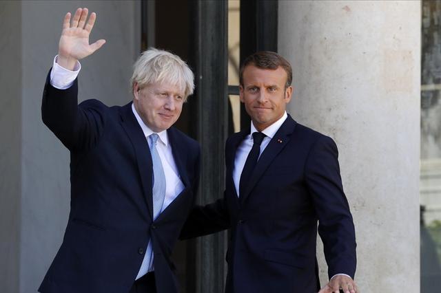 脚踏爱丽舍宫?英国新首相对法国的争议言行不止一次