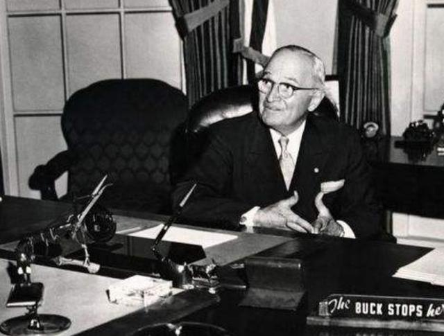 """杜鲁门:美国""""意外""""连任总统,在败局已定的局面,他如何当选的"""