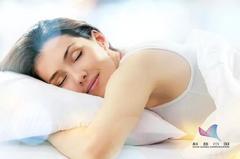 """为什么睡觉时身体会突然""""抖一下""""?真是大脑怕你死了?多年的疑问总算清楚了"""