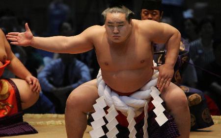 辛苦锻炼腹肌,可是啤酒肚还是没有练出清晰地腹肌,原因何在?