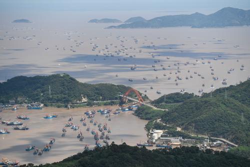 视频丨中国东海结束为期四个半月的伏季休渔 全面开渔