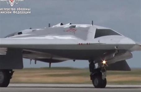 """俄将组建""""猎人""""隐身无人战机部队 或全面替代有人战机"""
