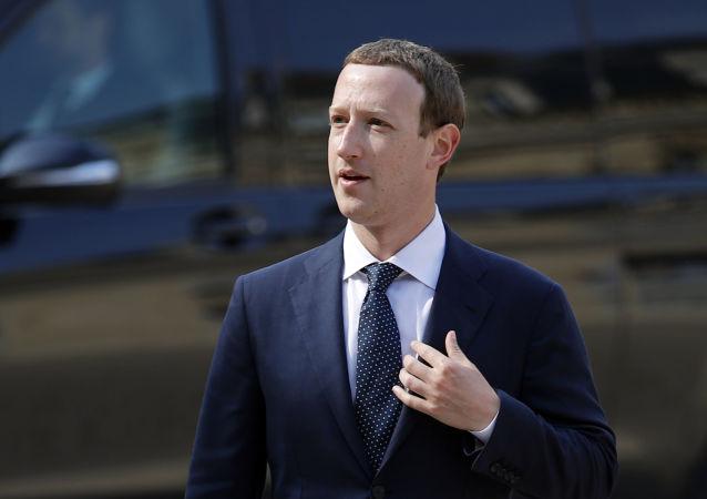 媒体:扎克伯格在脸书受指控背景下同特朗普在白宫会面