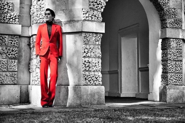 胡兵伦敦时装周圆满收官 引领潮流传递时尚态度