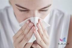 为啥一到秋天过敏性鼻炎容易高发?我真的太难了…