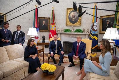 美国总统时隔13年在白宫以盛大国宴欢迎澳总理;然而,莫里森访美面子高调里子微妙