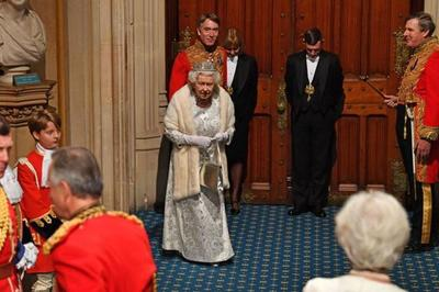 英国女王演讲,全力支持脱欧,并为脱欧制定时间表