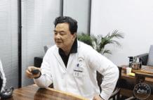 泰斗中医闵真诚——这个帅气医师,有点儿暖