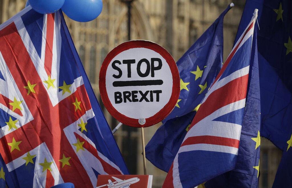 """英国议会下院投票通过莱特温修正案 将迫使约翰逊寻求再度推迟""""脱欧"""""""