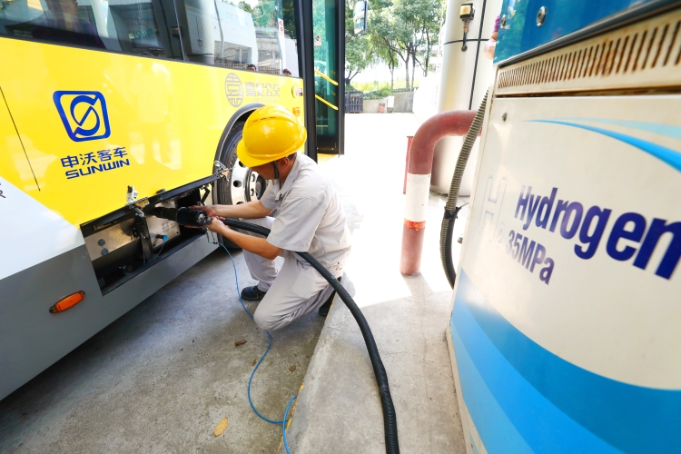 东芝首席运营官纲川智:困扰氢能源发展的已不再是续航里程,未来5至10年内氢气价格会大幅下降
