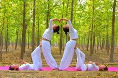 大自然中秀瑜伽 畅享自然风光 提升服务技能
