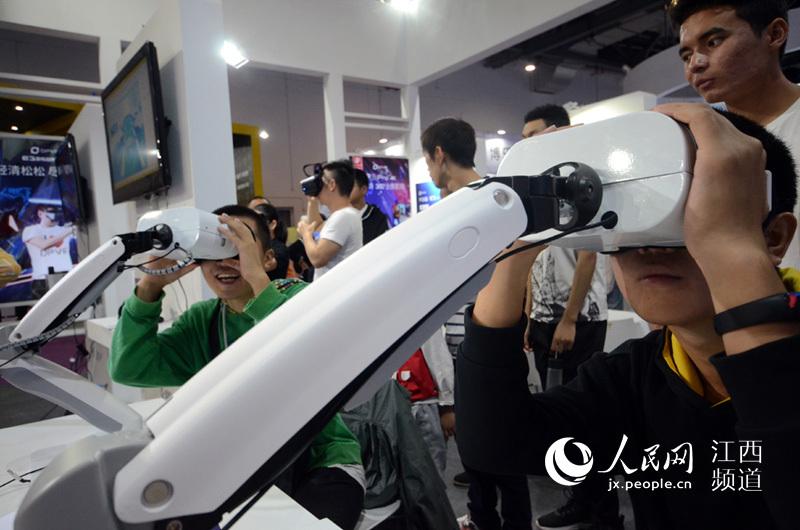 高清图:VR离你有多近?跟着镜头逛展会就知道