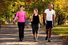 腰腹肥胖怎么办?8个动作,帮你甩掉腹部赘肉,瘦身塑形