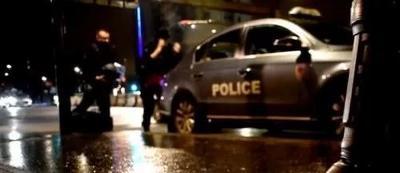 """""""穆斯林头巾""""再引纷争:女司机因戴头巾被拦?警方否认"""