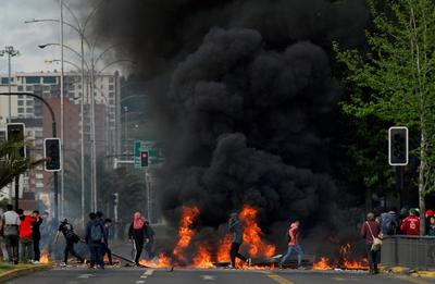 """""""我们处在战争状态!""""智利延长宵禁,暴力骚乱死亡人数不断上升"""