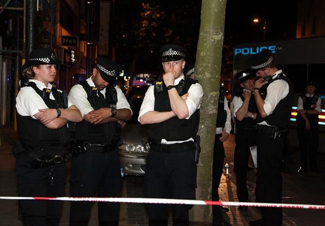 """英国伦敦怎么了?砍人案频发,""""飞车党""""也猖獗,中国留学生频被抢"""