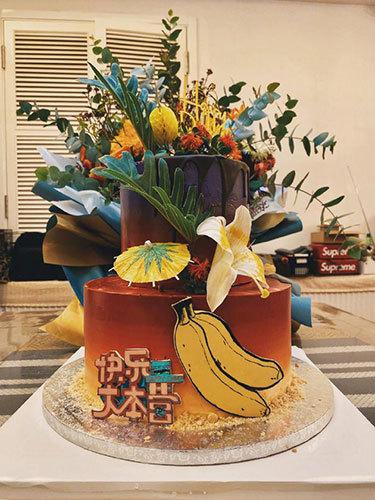 杜海涛过生日晒蛋糕 感性发文:有你们在我很幸运