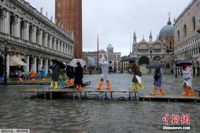 外媒:意大利威尼斯遭连日暴雨侵袭 已致2人死亡