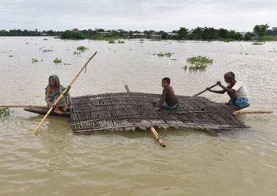 祸不单行,印度10万人已连夜撤离,学校全部停课,民众等待救援