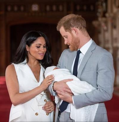 娶了梅根后,哈里与王室越走越远,今年也不打算与女王一起过圣诞