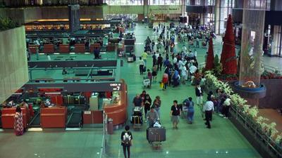 新加坡机场搬运工为泄私愤,调包托运行李标签,近300乘客丢行李