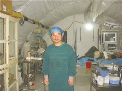 结对帮扶10名贫困学子 李惠利医院这位医生好有爱心