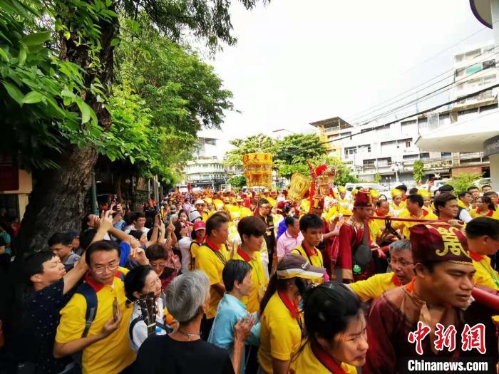 湄洲妈祖巡安 曼谷民众狂欢