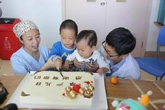 世界早产儿日:他们和早产宝宝们一起过节