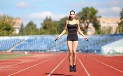每天这样运动10分钟,胜过跑步1小时,省膝盖、省时间、瘦得快