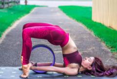 每天5分钟瑜伽练习,瘦腰平腹,再现撩人小蛮腰!
